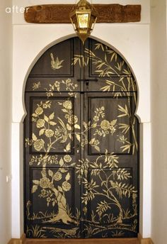 www.shelterness.com 13-creative-ideas-to-paint-doors-using-stencils