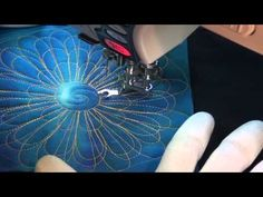 ▶ Flower Designs for Quokka Quilts - YouTube by Leah Day/ very good instructions for free motion quilting