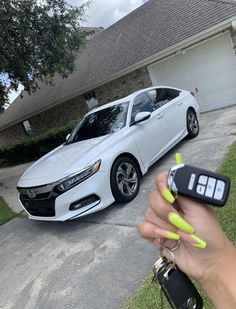 Honda Accord Sport, Super Cars Images, Car Images, Carros Honda, Best Cars For Teens, Cars For Teenage Girls, Cute Car Accessories, Vehicle Accessories, Girly Car