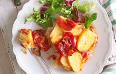 This chorizo, potato and pepper tortilla is the perfect picnic recipe and can even use up leftover new potatoes. Find more recipe ideas at Tesco Real Food