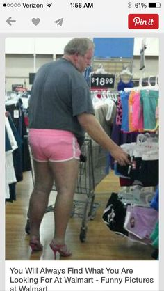 The People of Walmart really crack me up.. Bahaha http://ibeebz.com