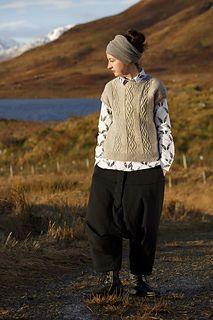Ravelry: Stronachlachar pattern by Kate Davies Designs Summer Knitting, Hand Knitting, Knitting Designs, Knitting Patterns, Kate Davis, Knit Vest Pattern, Refashion, Knitwear, Knit Crochet