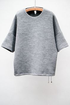 love this shape for a top — Christian Wijnants Melange Tich Top Minimal Chic, Minimal Fashion, Minimal Classic, Classic Style, Christian Wijnants, Look Fashion, Womens Fashion, Street Looks, Mode Chic