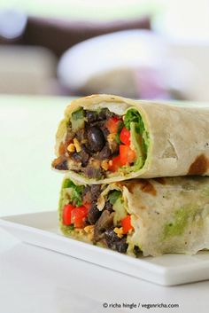 Looking for a healthy vegan wrap recipe? Try my vegan smoky black bean wraps with spinach & chimichurri. Quick, easy and packed with plant-based protein! Easy Vegan Dinner, Vegan Dinner Recipes, Mexican Food Recipes, Whole Food Recipes, Vegetarian Recipes, Cooking Recipes, Healthy Recipes, Vegetarian Wraps, Chimichurri