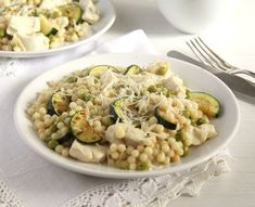 zucchini couscous chicken Israeli Couscous with Zucchini, Peas and Chicken Breast Eggplant Zucchini, Chicken Zucchini, Chicken Couscous, Couscous Recipes, One Pot Dishes, Summer Dishes, Great Recipes, Favorite Recipes, Healthy Eating