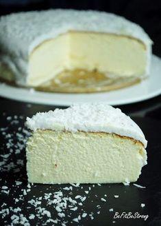 Just Be Fit Be Strong!: Sernik z jogurtów greckich pod kokosową pierzynką Healthy Cake, Healthy Desserts, Delicious Desserts, Yummy Food, Baking Recipes, Cake Recipes, Dessert Recipes, Different Cakes, Sweets Cake