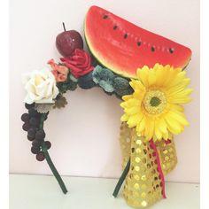 É Carmem? É Naked Cake? É Magali? É o que vc quiser, fia! É carnaval!  shop: whats  (21)971437362 ou email  encomendas@eloacessorios.com.br. #acessorios #accessories #statementaccessories #headpiece #carnaval2016 #carnacalcarioca  #lookdodia #ootd #feitonobrasil #eloacessorios #costume  #style #carnivalstyle #instaglam #fashionstyle #glam #fashionista #modicesinspira