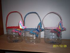 Cestos feitos de garrafões pet / Baskets made of PET bottles