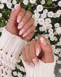 Classy Acrylic Nails, Almond Acrylic Nails, Best Acrylic Nails, Acrylic Nail Designs, Classy Nail Art, Wedding Acrylic Nails, Stylish Nails, Trendy Nails, Cute Nails