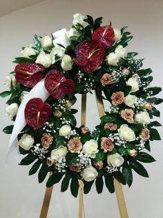 Unique Flower Arrangements, Funeral Flower Arrangements, Funeral Flowers, Flores Funeral, Unique Flowers, Funeral Sprays, Casket Sprays, Craft Work, Flower Power