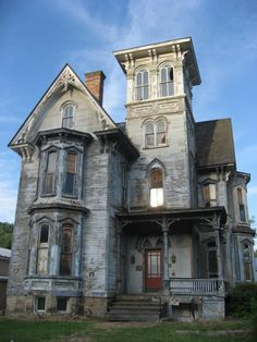 Spooky Haunted House Images   Inspiration for Your Halloween Vector Designs
