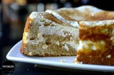 Snickerdoodle Quark Cake -Macros per slice of 6 – protein, carb fibre), fat.See website for recipe details. Protein Mug Cakes, Protein Muffins, Protein Foods, Protein Recipes, Quark Recipes, Healthy Cake Recipes, Best Cake Recipes, Clean Eating Desserts, Recipe Details