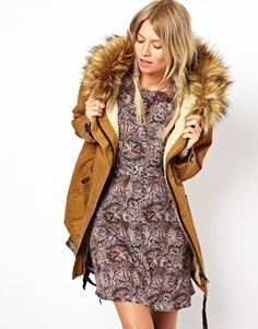 ASOS+Cocoon+Parka+With+Oversized+Fur+Trim+Hood  Without the fur, it is exactly what m searching for!