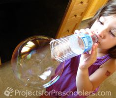 Make bubbles and wand with items you have at home! Homemade bubble recipe using water, corn syrup, and liquid dish soap. Combine with an empty water bottle = tons of big bubble fun! K simply loves bubbles! Craft Activities For Kids, Summer Activities, Toddler Activities, Projects For Kids, Diy For Kids, Cool Kids, Crafts For Kids, Bubble Activities, Childcare Activities