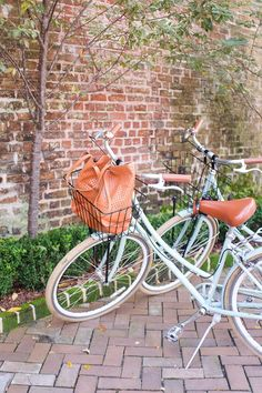 Girls' Weekend Guide to Charleston | TheEverygirl.com
