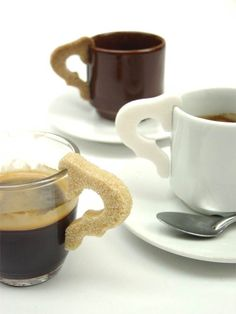 5.5 Designers, Anse de sucre, 2004 Ajout d'une anse d'un autre matériau que l'on retrouve pourtant à chaque pose café. Ils ont su le donner une seconde fonction.