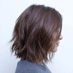 70 Fabulous Choppy Bob Hairstyles Messy Bob With Jagged Ends Related posts:Shampoo selber Hochzeitstorte Trends: 25 Tropfen Gorgeous Medium Length Hairstyles For Women - Claire C. Hairstyles Haircuts, Cool Hairstyles, Hairstyle Ideas, Curly Haircuts, Classic Hairstyles, Short Hairstyles For Women, Bob Hairstyles How To Style, Haircuts For Girls, Short Hair Cuts For Women Bob