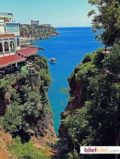 Antalya, Türkiye http://www.biletbilet.com/etiket/391/antalya-otobus-bileti