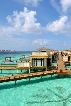 The Maldives beckon with powdery sand and crystal-clear turquoise waters. (Velavaru, Maldives) - Jetsetter