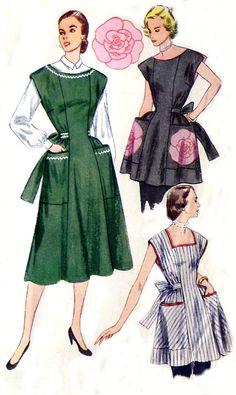 Vintage 50s Housedress / Apron Pattern - Simplicity 3717 - Rose Applique / Patch Pockets