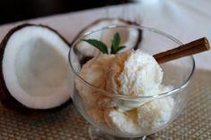 Receta de Helado Casero de Coco: Preparado con ingredientes fáciles de conseguir y económicos este helado complace cualquier paladar.