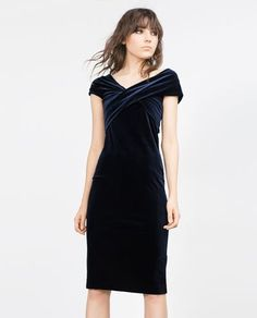 Velvet dress from Zara, stretchy material that is great for a Pregnant Mummy with a cocktail Party to attend! Lots of great ideas on here for Maternity Style #malhas #velvetdress #FocusTextil