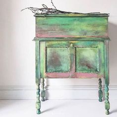 This open top chest has been painted by Maisie's House with Chalk Paint®️️ by Annie Sloan in a mix of pastel colours, perfect for Spring! The finished looked is beautifully light yet rustic.