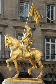 Statue of Joan of Arc - rue de Rivoli, Paris