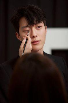 [장기용] 총, 조준, 발사! 여러분의 심장을 저격할 킬러의 탄생★ : 네이버 포스트 Handsome Asian Men, Most Handsome Men, Handsome Boys, Asian Actors, Korean Actors, My Heart Hurts, Joo Hyuk, Kdrama Actors, Jong Suk