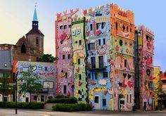 Happy Rizzi House, Braunschweig, Germany http://art-on.ru/wp-content/uploads/2013/07/Rizzi_House_01.jpg