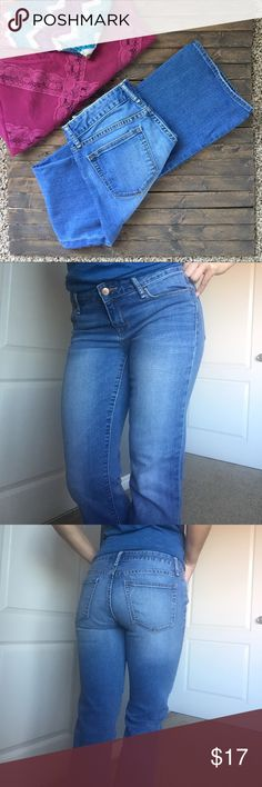 "💕 Gap Boot Cut faded stretch jeans. The classic boot cut jean from Gap. Faded in front and has stretch for that perfect snug fit. Pair with any top. Works with everything. Great condition. No stains, tears or rips. 👍 Inseam is 30"" and waist when laying flat is 15"". Environment is smoke and pet free. 💕🌺 GAP Jeans Boot Cut"