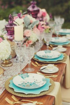 Flowers by Jardiniere, tablescape styled by @MyBellissima, photographed by @vanessa__joy