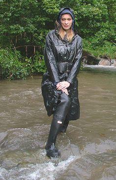 waders and raincoat Hunter Boots Outfit, Hunter Rain Boots, Black Raincoat, Pvc Raincoat, Long Leather Coat, Rubber Raincoats, Fashionable Snow Boots, Raincoats For Women, Rain Wear
