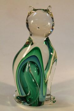 Murano figure of a cat, etched to base - Made for the Private Collection of the Woolf Family - Vienza Murano, 1999