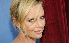 Beautiful Charlize Theron American Actress HD Wallpaper
