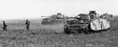 Battle of Kursk, advancing panzergrenadier with PzKfw IV H support.
