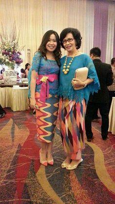 Kebaya dan kain rang - rang Kebaya Lace, Kebaya Dress, Batik Kebaya, Batik Dress, Dress Lace, African Print Dresses, African Print Fashion, Ethnic Fashion, African Clothes