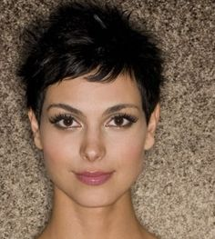 layered medium haircuts morena baccarin hairstyles morena baccarin 9659
