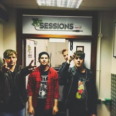 Circa Waves Playlists, Indie, Band Photography, Music Bands, Live Life, Singers, Cool Photos, Alternative, Waves