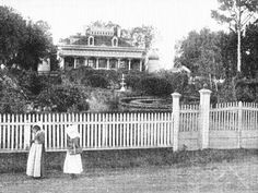 Do y'all recognize the plantation in this old photo? It's San Francisco Plantation in St. John the Baptist Parish, LA.  Don't forget to like their page at https://www.facebook.com/pages/San-Francisco-Plantation/10150134066860094.
