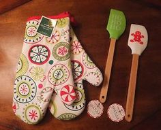 New Set of 2 Nordic Ware Christmas Silicone Spatulas 2 Target Xmas Oven Mitts   eBay