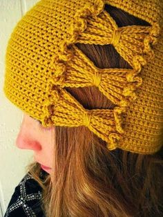 Inspired by cloche hats that feature intriguing side detail, Francie's Hat has a panel of ruffled crochet chain-stitch bows that are worked at the same time as the body of the crochet hat.The best crochet hat that makes you outstanding 9 diy croche Diy Tricot Crochet, Crochet Chain Stitch, Mode Crochet, Crochet Cap, Crochet Beanie, Crochet Scarves, Crochet Crafts, Crochet Clothes, Crochet Stitches