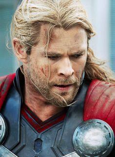 Thor's Naughty Whispers : Photo