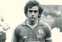 Michel Platini con la camiseta de Francia Michel Platini, Free Kick, European Championships, No One Loves Me, First Love, Kicks, Football, Goals, Soccer