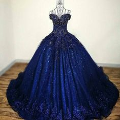 Perfect for the high lady of the night court powers stuff пл Red Ball Gowns, Ball Gowns Prom, Ball Gown Dresses, 15 Dresses, Homecoming Dresses, Cute Dresses, Fashion Dresses, Pageant Dresses, Formal Dresses