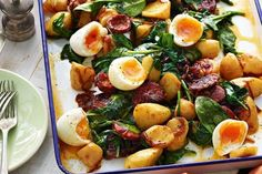 Warm chorizo and potato salad Vegetable Dishes, Vegetable Recipes, Veggie Food, Chorizo And Potato, Hot Dogs, Cooking Recipes, Healthy Recipes, Cooking Tips, Vegetarian Recipes