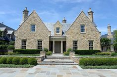 Stone mansion, pure luxury with beautiful architecture! Dream House Exterior, Dream House Plans, Stone Mansion, Stucco Homes, Facade House, House Exteriors, Beautiful Architecture, Classical Architecture, Stone Houses