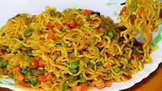 Maggi brings back a lot of memories. This is one of the quickest, tastiest snack anyone can have. If you have ever lived outside your home, Maggi is always y. Gourmet Recipes, Vegetarian Recipes, Cooking Recipes, Healthy Recipes, Recipes Dinner, Breakfast Recipes, Cooked Chicken Recipes, How To Cook Chicken, Yummy Appetizers