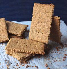 N'en trouvant pas en France, j'ai décidé de me lancer dans la fabrication de Graham crackers maison pour servir de base à mon cheesecake US traditionnel. Conclusion: C'est pas si long et ça vaut vraiment le coup!