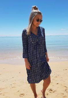 Cheers to Friday night and a forecast of blue sunny skies for Sorrento this weekend..! Gigi's wearing One Seasons Papy Atlantic Dress in store now..♡♡ xx  #oneseason #oneseason_official #kaftans #dresses #fashion #fashionbloggers #style #styleblogger #instafashion #igdaily #instagood #beach #beachstyle #beachliving #sand #sea #summer #saltwatersorrento #sorrento #sorrentocoast #portsea #morningtonpeninsula #peninsulalife #comevisit #saltwateronline
